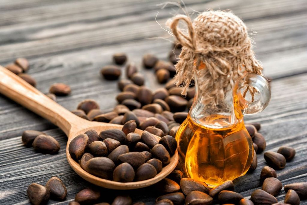 47 народных средств для людей, которых боятся клещи –Масло кедровых орешков