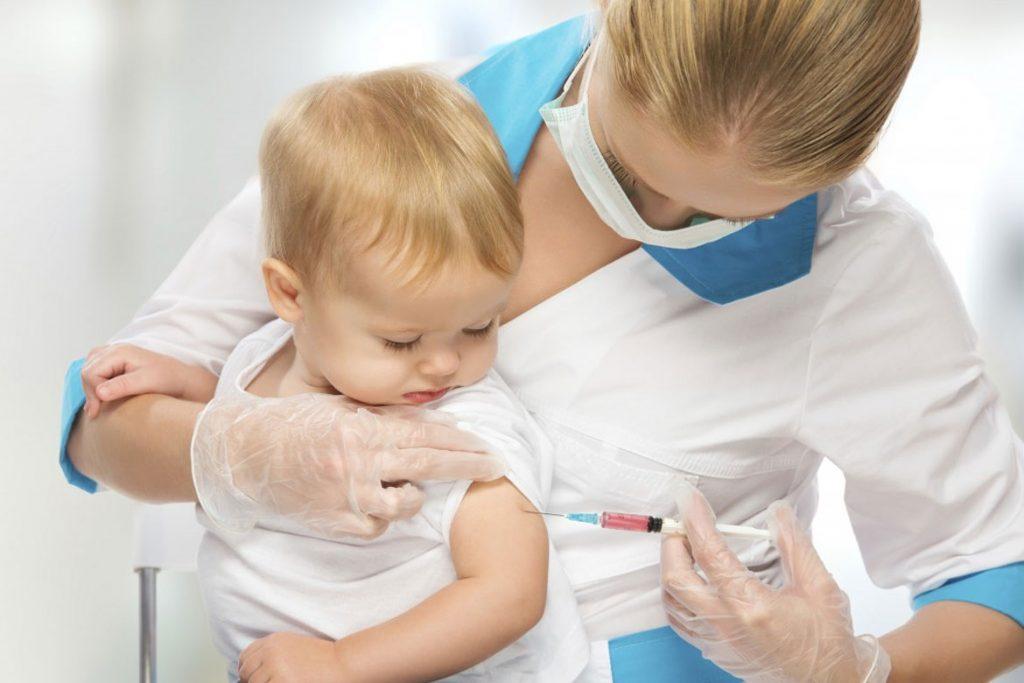 Что делать, если укусил клещ ребёнка - вакцинация