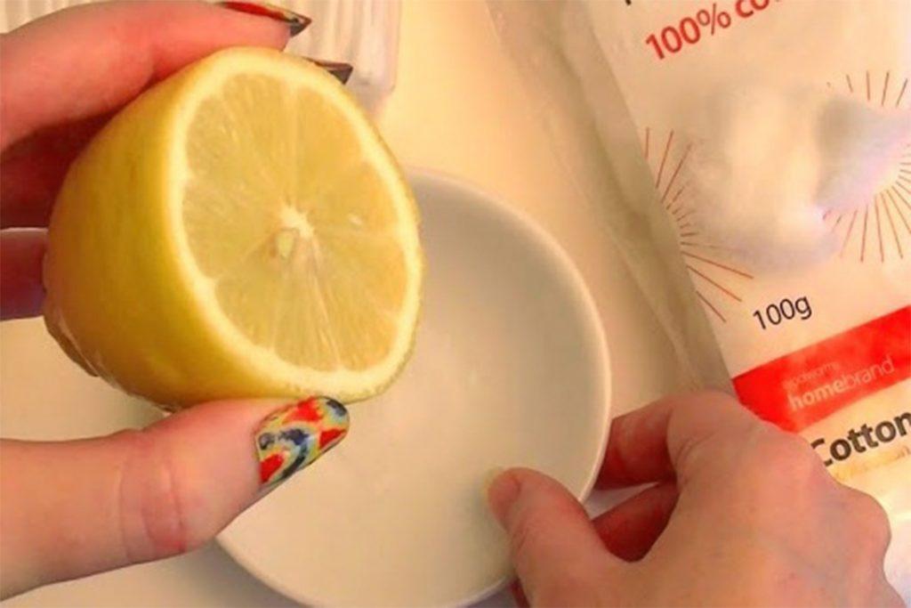20 народных способов избавиться от демодекоза в домашних условиях, лимонный сок с солью