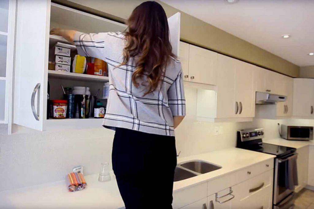 Тараканы на кухне – случайность или запущенность, что делать, если мелкие особи появились и бегают, как безопасно и эффективно избавиться от них, места скопления
